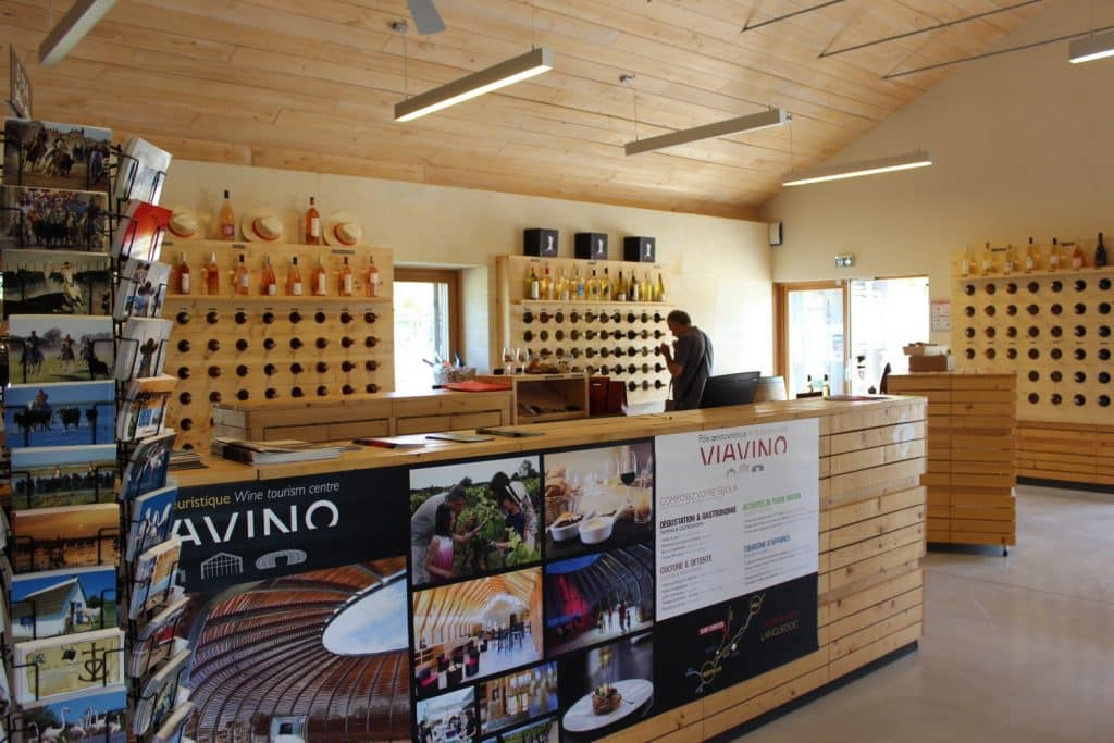 Viavino  : Gourmet & Oenologic Restaurant, nearby Mediterranean Sea and Domaine de Bacchus